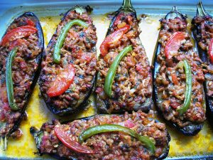 Karniyarik - Stuffed Eggplants 010