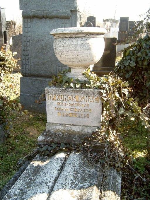 Kúnos Ignác sírja a Kozma utcai zsidó temetőben
