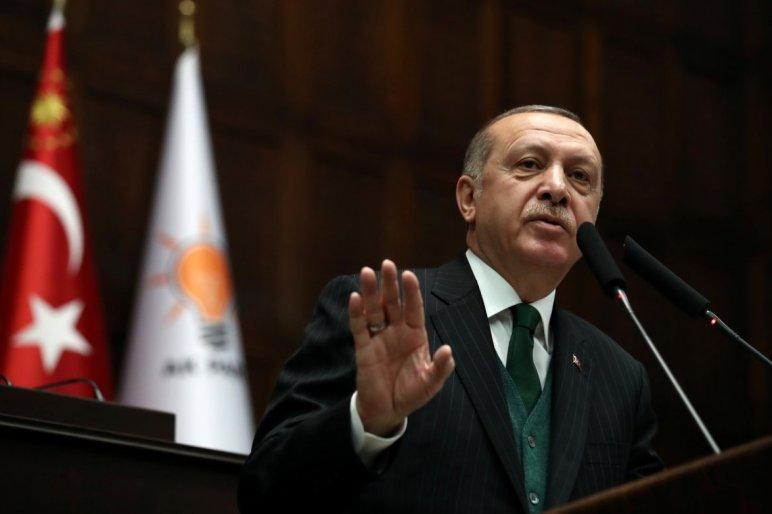54778d3d8f Törökország megemelte több amerikai termék, például a személygépkocsik, a  szeszes italok és a dohányáruk vámját, válaszul az amerikai szankciókra –  közölte ...